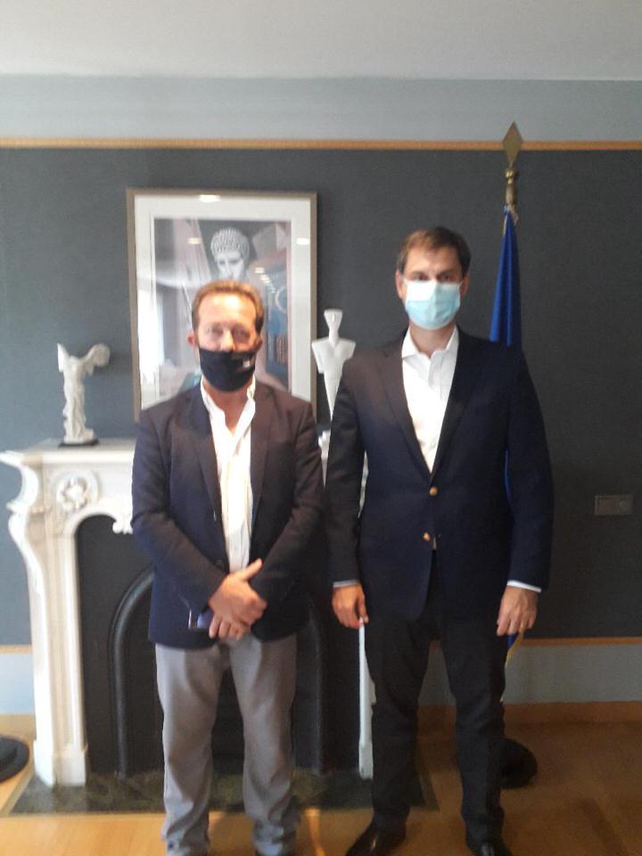 Συνάντηση εργασίας του Υπουργού Τουρισμού Χάρη Θεοχάρη με τον Σύνδεσμο Δήμων Ιαματικών Πηγών Ελλάδας