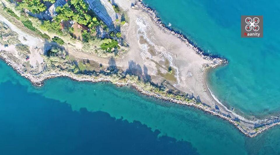 Το Νησί των Ονείρων: Καταγάλανα νερά και χρυσαφένια αμμουδιά δύο ώρες από την Αθήνα (video)
