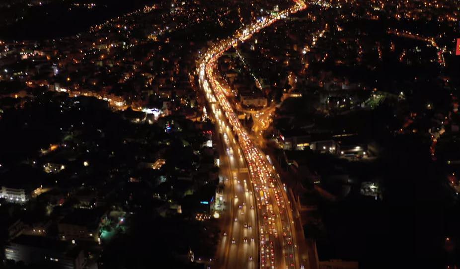Athens before lockdown: Η ιστορική κίνηση στους δρόμους της Αττικής από ψηλά (video)