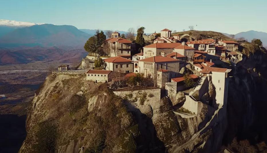 """Μετέωρα: Ο """"κρεμαστός παράδεισος"""" της Ελλάδας από ψηλά (video)"""