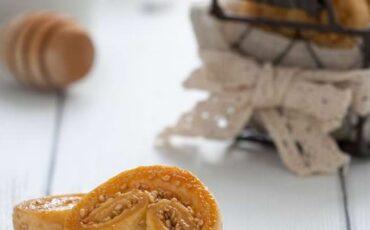 Συνταγή για πεντανόστιμα μπισκότα palmier με 3 υλικά