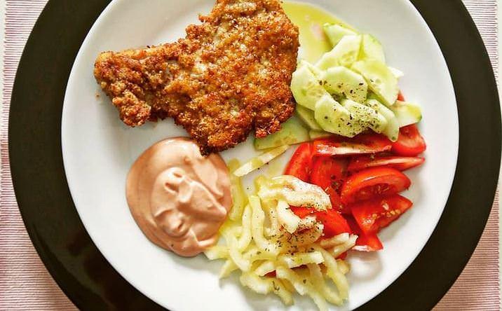 Συνταγή για το πιο γρήγορο σνίτσελ κοτόπουλου!