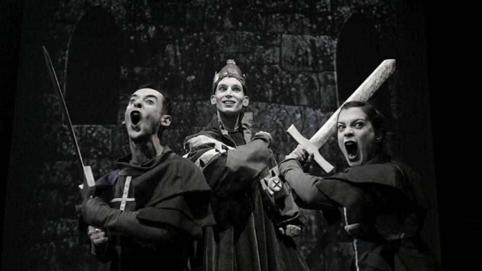 Joan of m'Arc (2017), με την ομάδα splish-splash