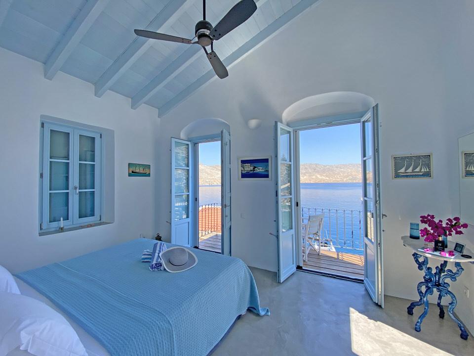 Pelagos Seaside Suite: Δύο πολυτελείς σουίτες στην Σύμη δίπλα στη θάλασσα με κριτικές 5 αστέρων