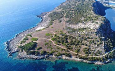 """Παραλία """"Ασπίδα του Βρασίδα"""": Η πιο... ιστορική παραλία της Ελλάδας (video)"""