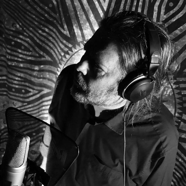 «Δεν χωράμε όλοι»-Η νέα δισκογραφική δουλειά του Δημήτρη Μητσοτάκη