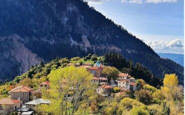 Φιδάκια Ευρυτανίας: Ταξίδι στον ανακηρυγμένο παραδοσιακό οικισμό