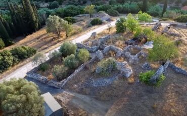 Ευπαλίνειο όρυγμα Σάμου: 2.500 χρόνια τρέχει αδιάκοπα και τροφοδοτεί την αρχαία δεξαμενή που βρίσκεται στο υπόγειο ξωκλησιού