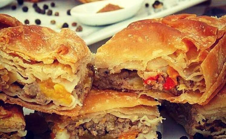 """Συνταγή για """"μαμαδίστικη"""" πίτα με κιμά!"""