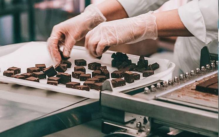 Σοκολατάκια με ρούμι και μπισκότα