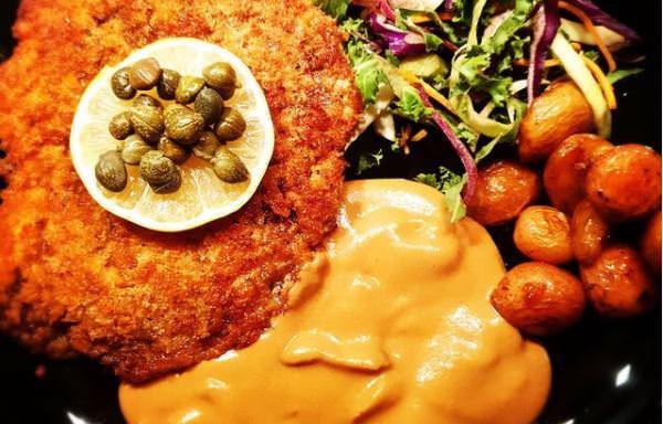 Συνταγή για το πιο γρήγορο και νόστιμο σνίτσελ κοτόπουλου από την Μαρία Ιωαννίδου