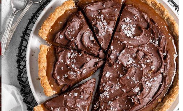 Συνταγή για πεντανόστιμη και αφράτη τάρτα σοκολάτας