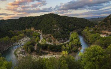 Βροσίνα: Το πέτρινο χωριό των Ιωαννίνων με τα τρεχούμενα νερά