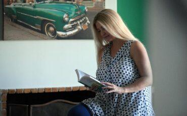 """Η συγγραφέας Εύη Ξυραφά μιλάει στο travelgirl.gr για το νέο της βιβλίο """"Θέλω Πιστεύω Μπορώ"""" και το lifecoaching"""
