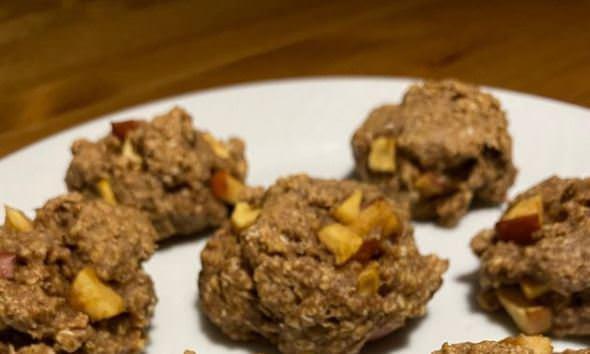 Συνταγή για υγιεινά μπισκότα με μήλο και κανέλα
