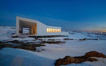 Fogo Island Inn: Το ξενοδοχείο που βρίσκεται στο τέλος...του κόσμου με κόστος διαμονής τα 1.400 ευρώ!