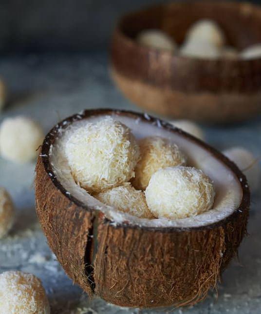 Τρουφάκια καρύδας με 4 υλικά!