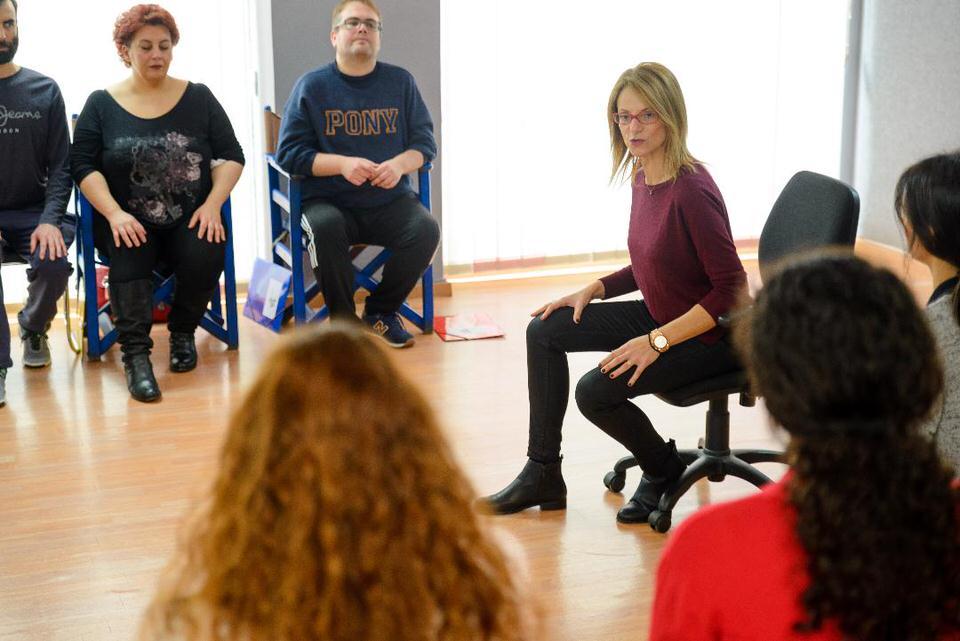 Online σεμινάριο αγωγής λόγου και φωνητικής με τη Μάρω Θεοδωράκη: Ξεκινάει ο νέος κύκλος