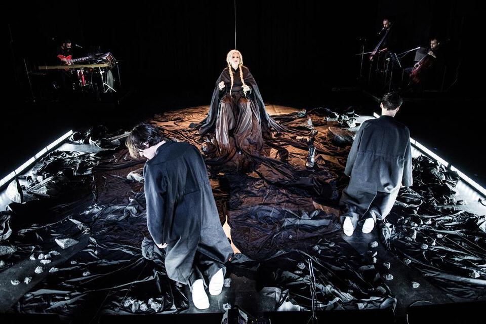 Μήδεια του Ευριπίδη: Live streaming από την Ερευνητική Σκηνή στο Θέατρο Rex-Σκηνή «Κατίνα Παξινού»