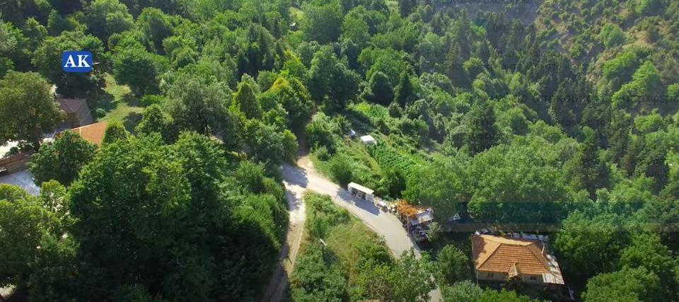 Πετράλωνα: Ταξίδι στο καταπράσινο χωριό των Αγράφων