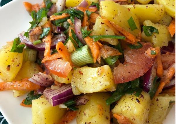 Συνταγή για πατατοσαλάτα από την Άννα Παπαπούλιου