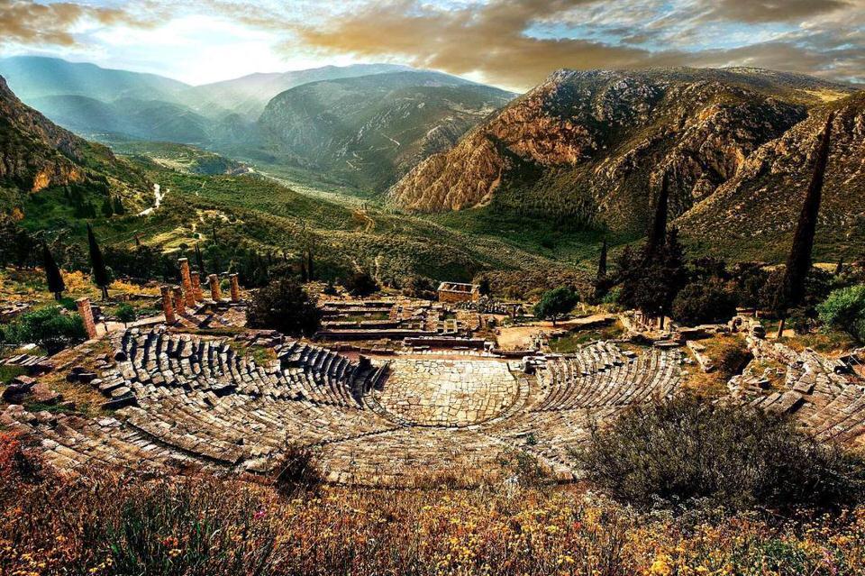 Τα μαντεία του αρχαίου κόσμου: Μια συναρπαστική περιήγηση με τον αρχαιολόγο Τάσο Παπαδόπουλο