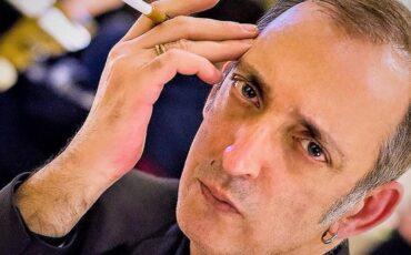 Δημοτικό Θέατρο Πειραιά: Ο Τσιμάρας Τζανάτος διαβάζει δύο δικά του έργα-Δεσποινίς Δυστυχία και Αχινός