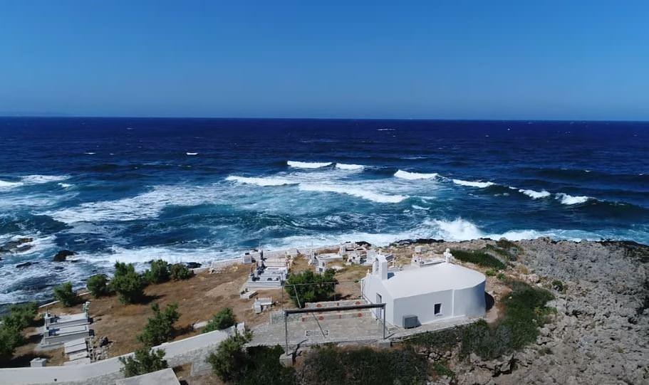 """Άγιος Φωκάς Μονεμβασιάς: Το πιο """"creepy"""" νησάκι της Ελλάδας"""
