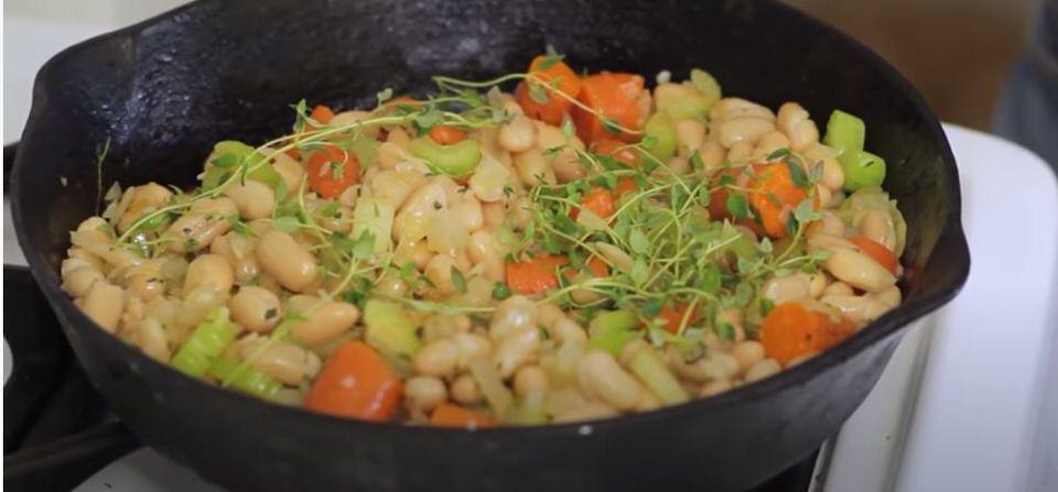 Νηστίσιμη συνταγή για φασόλια με λαχανικά