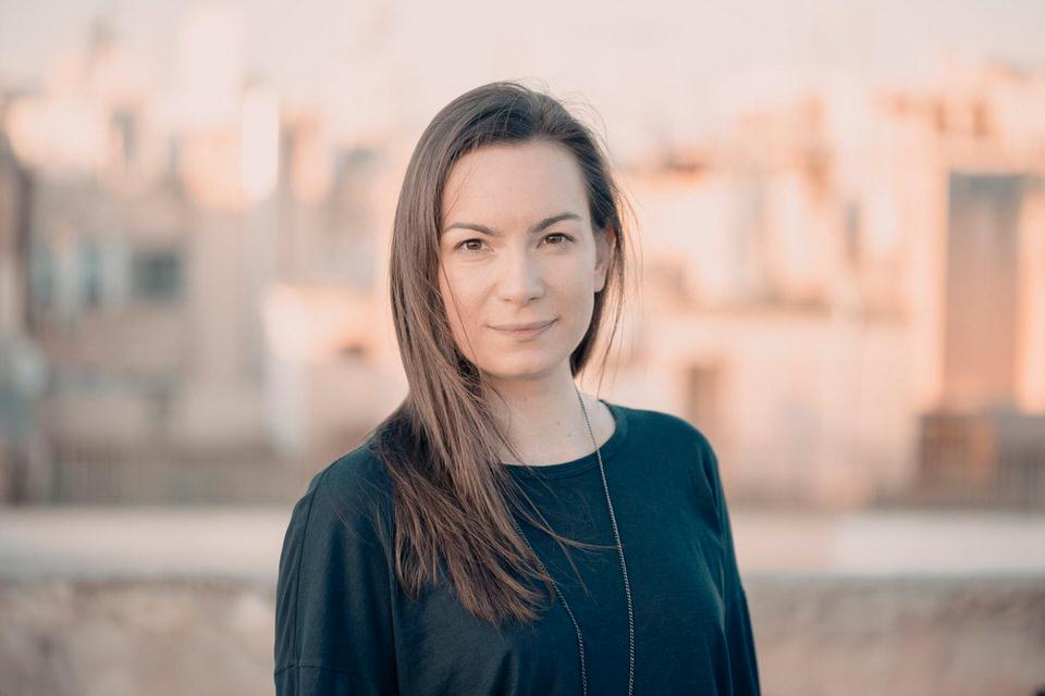 Χάδια Δανεικά: Το νέο τραγούδι της Κωνσταντίνας Πάλλα