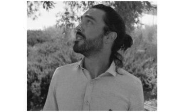 Ο Δημήτρης Κουρούμπαλης στον Ιανό διδάσκει «Διασκευή πεζού κειμένου για σενάριο και παράσταση»