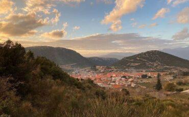 Κυριάκι: Ταξίδι στο αλπικό χωριό της Βοιωτίας