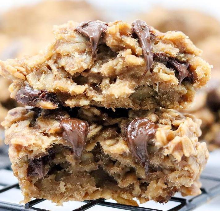 Νηστίσιμη συνταγή για μπισκότα βρώμης με 3 υλικά