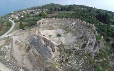 Παραμερίζοντας το πέπλο του χρόνου: Ρωμαϊκό θέατρο Νικόπολης από το Megaron Online