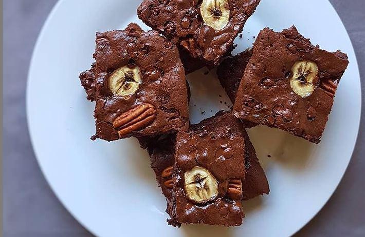 Συνταγή για νηστίσιμα σοκολατένια brownies με μπανάνα