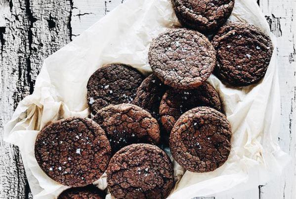 Νηστίσιμη συνταγή για σοκολατένια μπισκότα