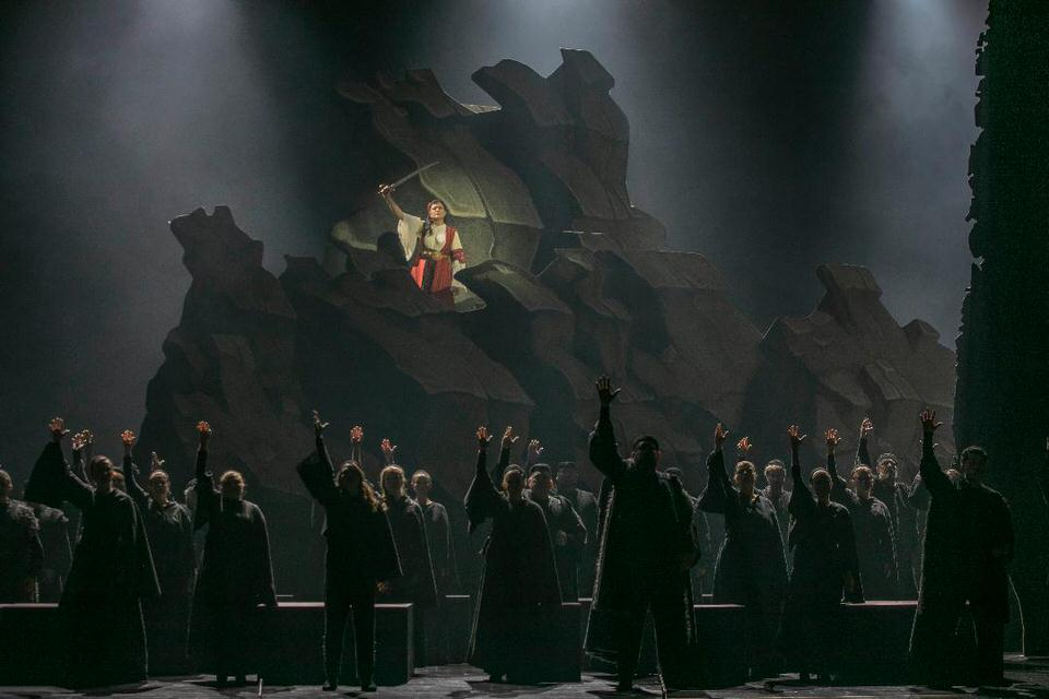 Η Λυρική γιορτάζει την 25η Μαρτίου με έργα Παύλου Καρρέρ και Νίκου Σκαλκώτα