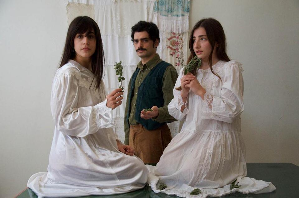 «Τα τρία φιλιά… H Σταχτιά γυναίκα»: Δύο θεατρικά έργα του Κωνσταντίνου Χρηστομάνου