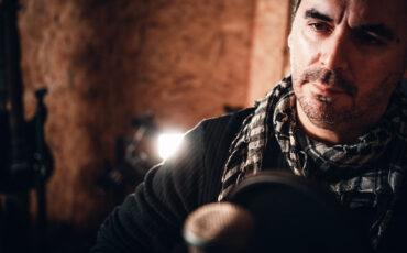 Το αφιόνι: Το νέο τραγούδι από τον Νίκο Μεργιαλή