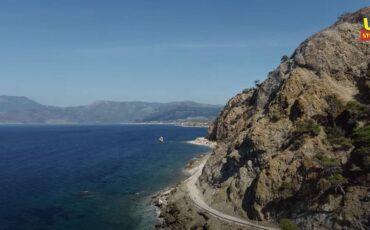 Προσοχή Βρέχει Βράχους! Ο ριψοκίνδυνος δρόμος της Αττικής που τον διασχίζεις κοιτώντας ψηλά
