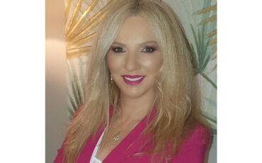 """Η Εύη Ζουρούδη στο travelgirl.gr: """"Ευτυχία είναι να είσαι ο Εαυτός σου"""""""