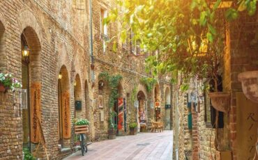 San Gimignano: Ταξίδι στην πέτρινη μεσαιωνική πόλη της Τοσκάνης