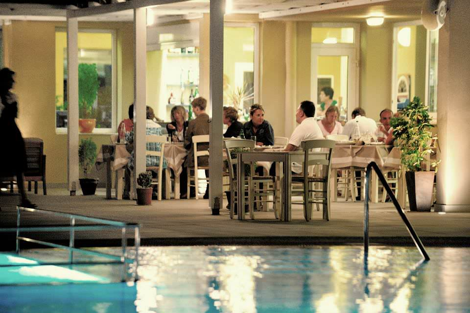 Apolis Hotel: Διαμονή πολλών αστέρων στο ξενοδοχείο που λατρεύουν οι ξένοι και οι Έλληνες επισκέπτες