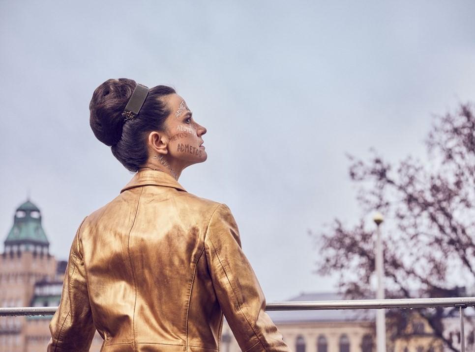 H Ελληνίδα που σκηνοθετεί φέτος στο Φεστιβάλ της Αβινιόν και στο Βασιλικό Θέατρο της Σουηδίας