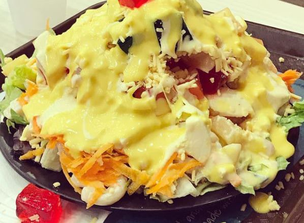 Συνταγή για καλοκαιρινή σαλάτα με αυγό και λαχανικά!