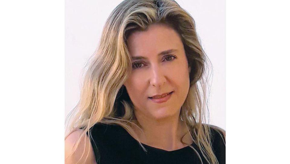 Αφηγήσεις από το dithepi.gr: Η συγγραφέας Ηρώ Σκάρου με το τελευταίο της βιβλίο «Η ζωή όπως είναι»