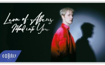 Mad Into You: Ο διεθνής Leon of Athens σε μια πολύχρωμη ενεργειακή έκρηξη σύγχρονης pop!