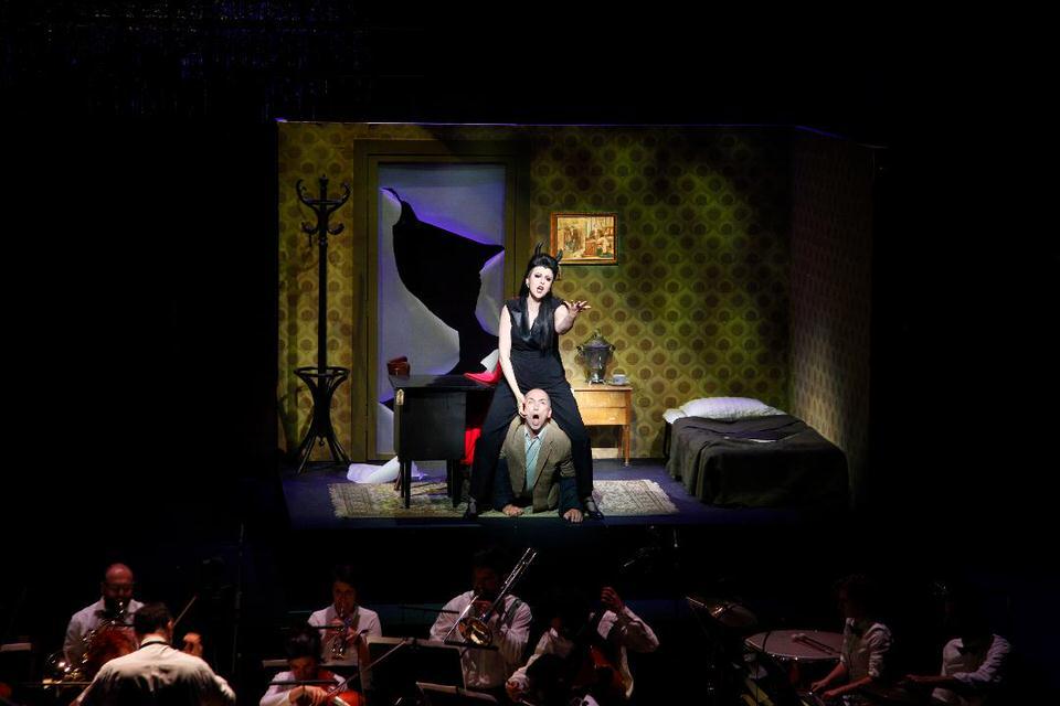 Η ξεκαρδιστική οπερέτα Σατανερί από την GNO TV με δωρεάν προβολές