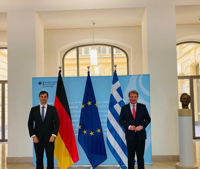 Υψηλού επιπέδου επαφές του υπουργού Τουρισμού Χάρη Θεοχάρη στο Βερολίνο για το άνοιγμα του ελληνικού τουρισμού