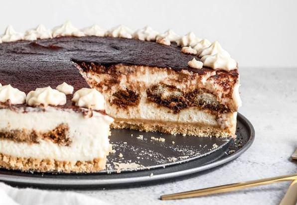 Συνταγή για cheesecake με γεύση τιραμισού χωρίς αυγά